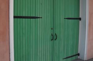 DoorCrop