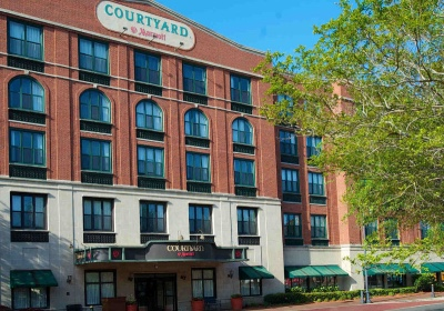 Courtyard by Marriott Savannah Downtown-400-280-lern